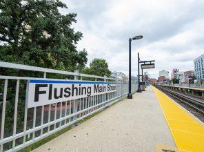 Flushing Main Street Platform A Station Signage 08-31-18