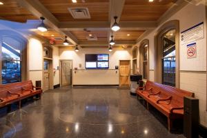 Upgraded Farmingdale Station Building 10-30-18