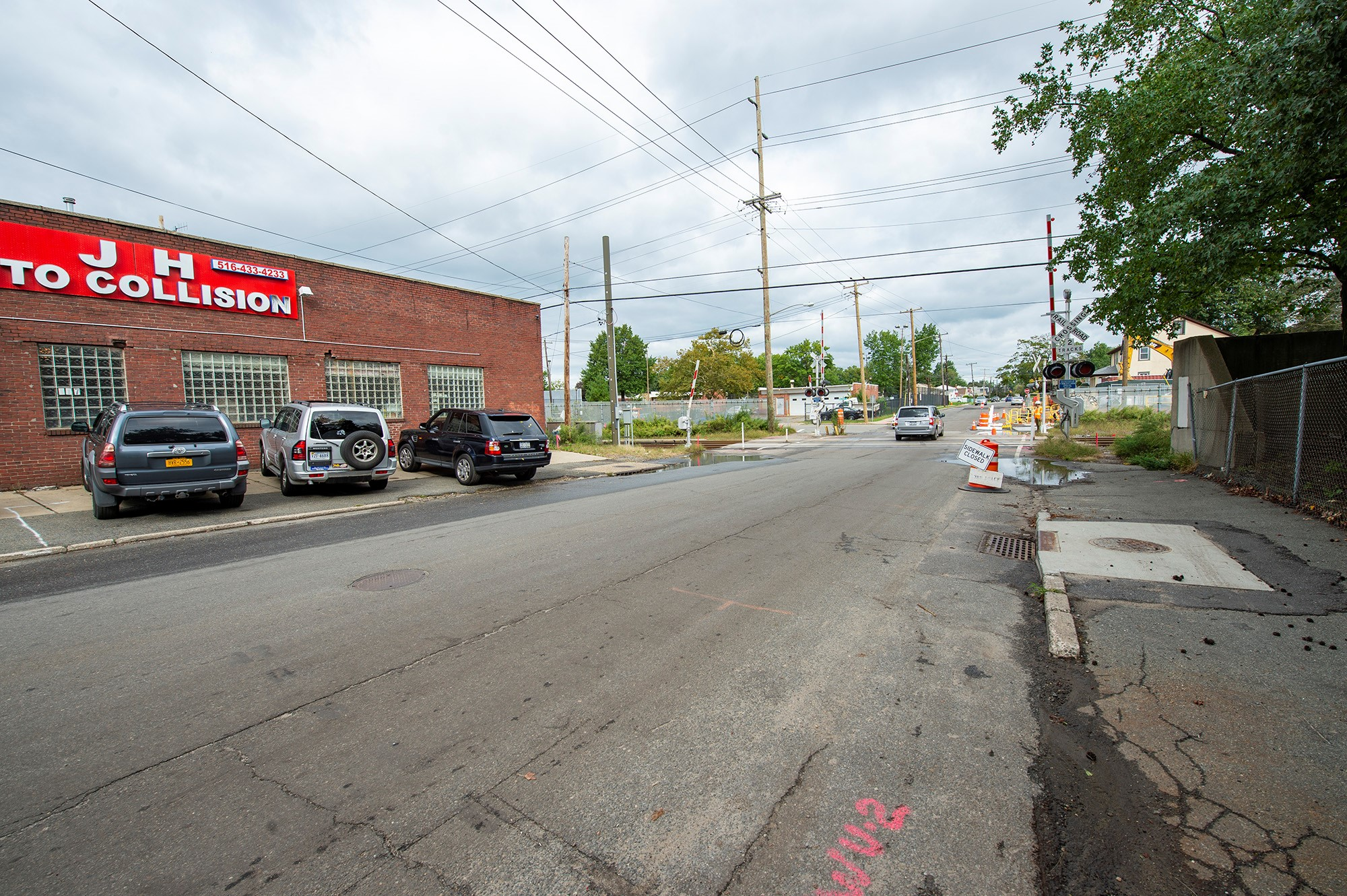 Urban Avenue Grade Crossing