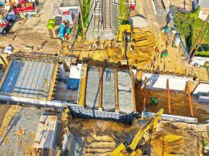 Covert Avenue Grade Crossing Elimination – Pushing new bridge into place - 08-24-19